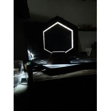 چراغ خواب رومیزی طرح هگزا